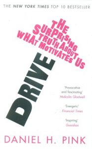 Drive (English) (Paperback): Book by Daniel H. Pink