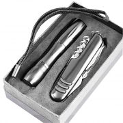 Q10 - Swiss Knife With Torch Set