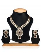 Arum Traditional Designer Pearl With Kundan Necklace Set
