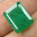 Lab Certified 5.81cts Natural Zambian Emerald/panna