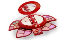 Kiss Beauty Fashion Make Up Kit Vitamin E/c With Liner & Rubber Band-artg-(code-kb-8370-mkt-lt28-m-eylnr-fl)