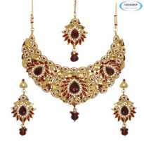 Vendee Fashion Maroon Alloy Necklace Set 6766