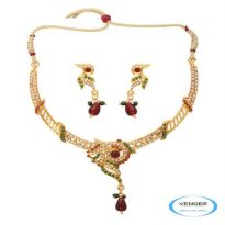 Vendee Fashion Maroon & Green Alloy Necklace Set 6783