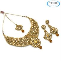 Vendee Fashion Golden Alloy Necklace Set 6823