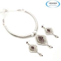 Vendee Fashion Maroon Alloy Necklace Set 6854