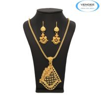 Vendee Traditional Gold Pendant Set 6891