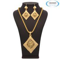 Vendee Fashion Lovely Women's Square Shape Pendant Set 7198