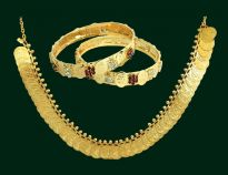 Traditional Laxmi Choker Set With Laxmi Bangles