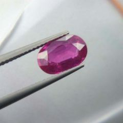 TOP GRADE CERTIFIED 2.55Cts NATURAL RUBY/MANEK