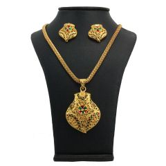 Vendee Fashion Uniquely Designed Pendant Set - 7889