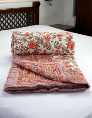 Jodhaa Doubles Cotton Quilt / Razai in Floral print in White / Brown