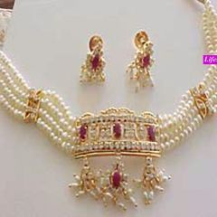 Exclusive Fresh Water Pearl Set .....LS46