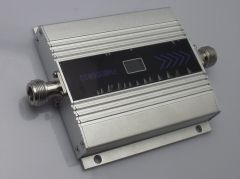 GSM 900 SIGNAL BOOSTER WITH LCD PANEL -55 dBI  GAIN