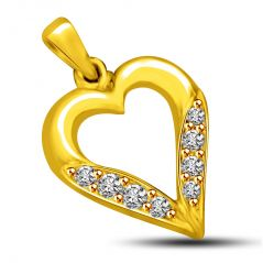 Surat Diamond 0.04 cts Heart Shape Diamond Pendant P809