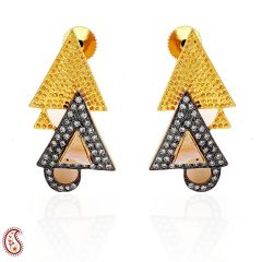 Triangle-shaped earrings with Cz in oxidized gold finish