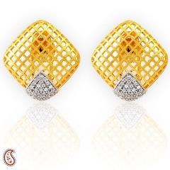 Diamond shape stud earrings with a frosted gold mesh design