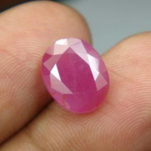 Top 4.76ct{5.28 Rati}certified Unheated Burma Ruby