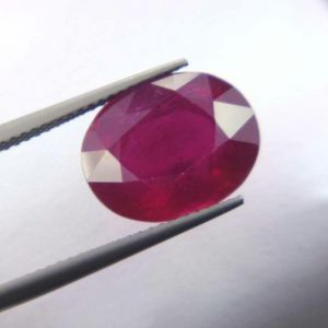 Top Grade 11.11ct Lab Certified Natural Ruby/manek
