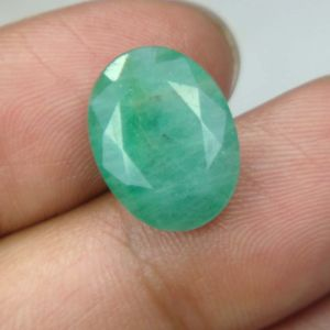 Lab Certified 7.57cts Natural Untreated Emerald/panna