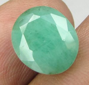 Lab Certified 5.06cts 100% Natural Emerald/panna