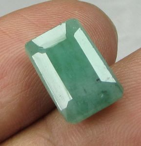 Lab Certified 5.92cts{6.57 Ratti} Natural Zambian Emerald/panna