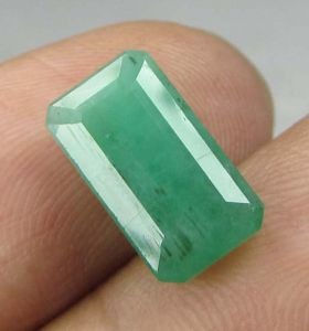Lab Certified 3.71cts(4.12 Ratti) Natural Untreated Zambian Emerald/panna