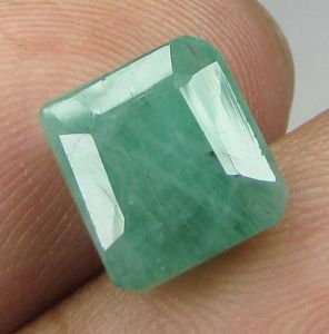 Lab Certified 3.64cts(4.04 Ratti) Natural Untreated Zambian Emerald/panna