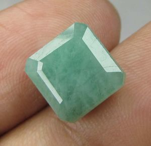 Lab Certified 5.97cts(6.63 Ratti) Natural Untreated Zambian Emerald/panna