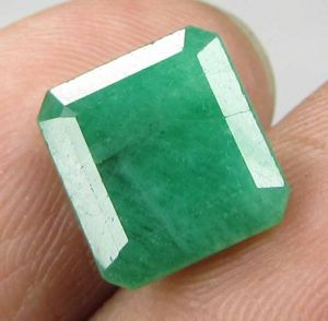 Lab Certified 3.41cts 100% Natural Emerald/panna