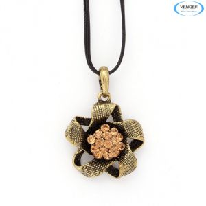 Vendee Fashion Designer Pendant Jewelry 5817