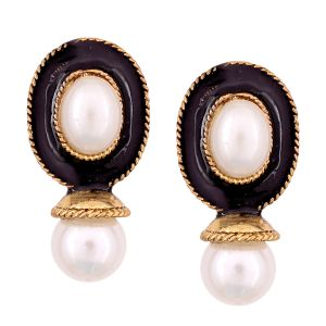 Vendee Fashion Black Kundan Studded Earrings