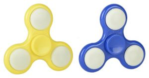 The Light Up Spinner 2 Pack By Hgl (code - Svby14010)
