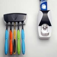 Bathroom Essentials - Practical Plastic Automatic Toothpaste Squeezing Device & Toothbrush Holder Set(random Colour)