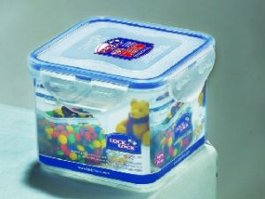 Lock&lock Classics Square Food Container With Leak Proof Locking Lid, 680ml