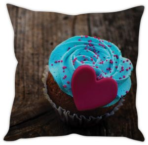 Stybuzz Love Pie Cushion Cover