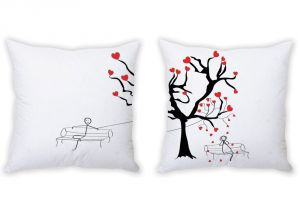 Stybuzz Love Is In The Air Couple Cushion Covers