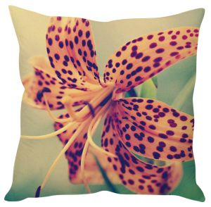 Stybuzz Beautiful Lily Peach Cushion Cover