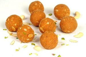 Ladoos - Indian Sky Shop''s Besan Ladoo Sweet Gift 700 grams