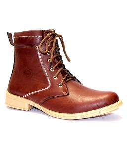 Guava Plain Toe Boot Brown