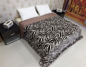 Quilts, Mattresses - Welhouse India Animal Print Double Bed Classic Quilt TPC-007