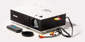 Xelectron Uc80 2000 Lumens LED Cinema Projector With Hdmi/av/vga/usb/sd/tv