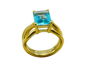 Riyo A Blue Topaz Cz 18kt Gold Plated Small Ring Gprbtcz60-92109