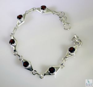 Riyo Garnet Brushed Jewelry Silver Bracelet Bangle Length 7.5 Inches - Product Code - (sbragar-26016)