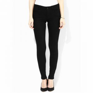 Masterly Weft Slim Fit Black Jeans For Women