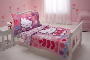 Sanrio 4 Piece Toddler Bedding Set, Hello Kitty Modern Garden