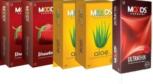 Moods Combo Of 5 Aloe , Ultrathin , Strawberry ( 60 S) Condom (set Of 5, 60s)