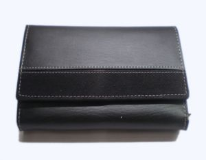 Pe Womens Artificial Black Pu Leather Wallet