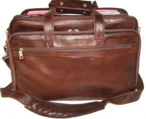 Bags, Luggage - PE 17 inch 100% Genuine Leather Laptop Messenger Bag
