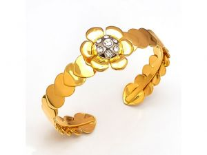 Sanaa Creations Gold Plated Heart Grill Yellow And Cz In Center Fancy Kada For For All Occasions Free Size-(product Code-1kd35)