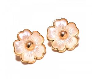 Sanaa Creations White Ennamel Flower Shape Gold Palted Earring-(product Code-1ern11)